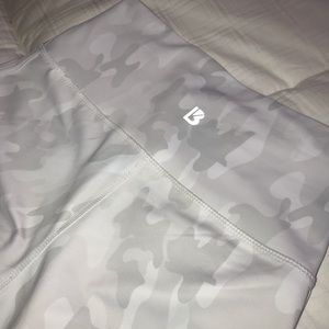 Buff bunny snow camo leggings